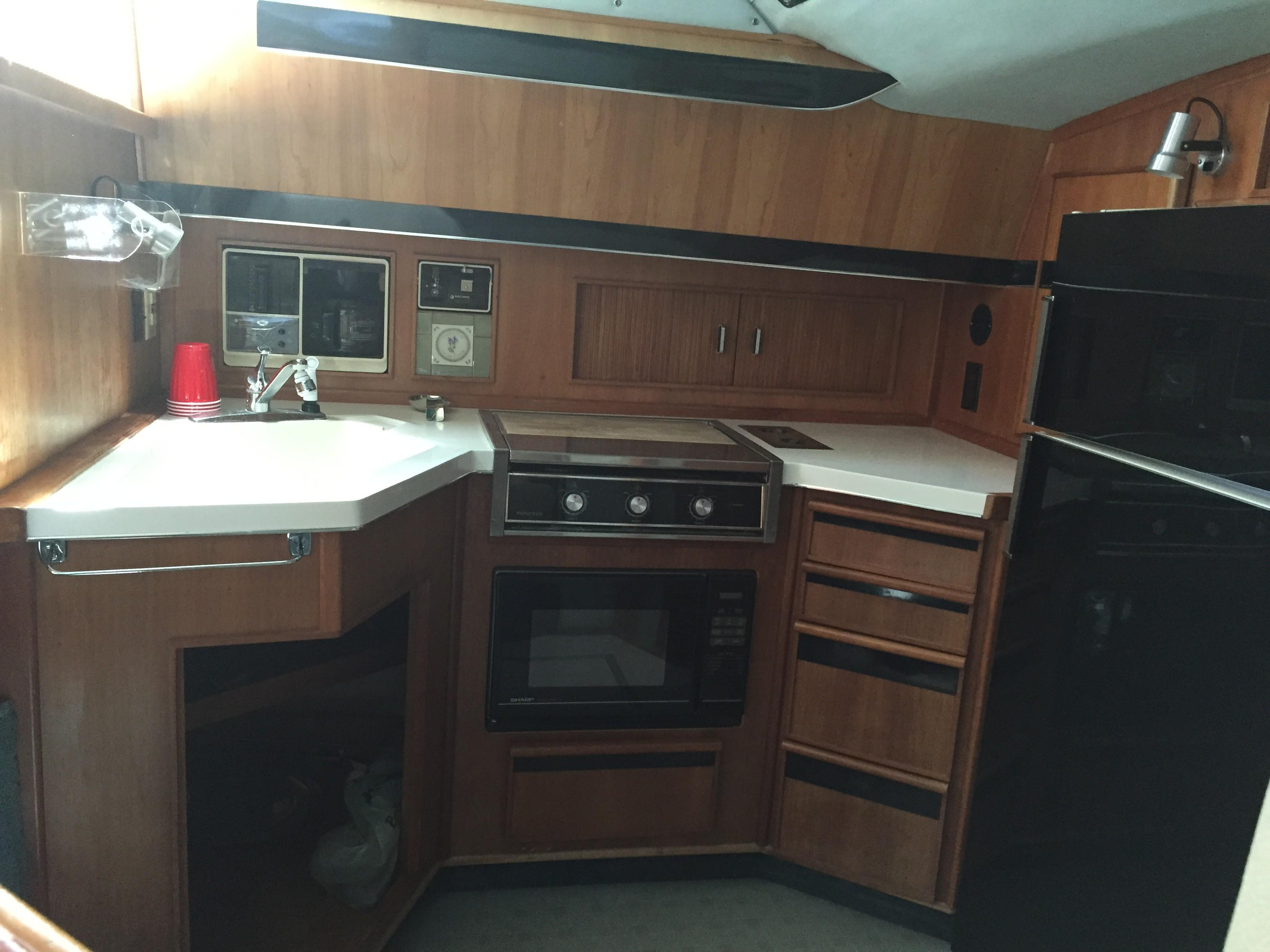 Sea Ray 440 Aft Cabin - Photo: #26
