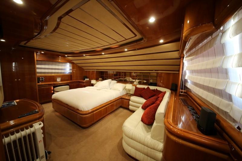 Main Deck Fwd Master Cabin