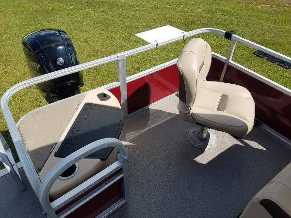 2018 Sun Tracker boat for sale, model of the boat is Fishin' Barge 20 DLX & Image # 11 of 13