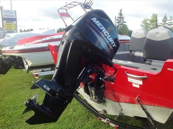 2012 Tracker Boats boat for sale, model of the boat is Pro Guide V-16 SC & Image # 3 of 23