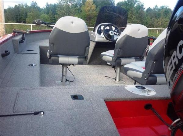 2012 Tracker Boats boat for sale, model of the boat is Pro Guide V-16 SC & Image # 4 of 23