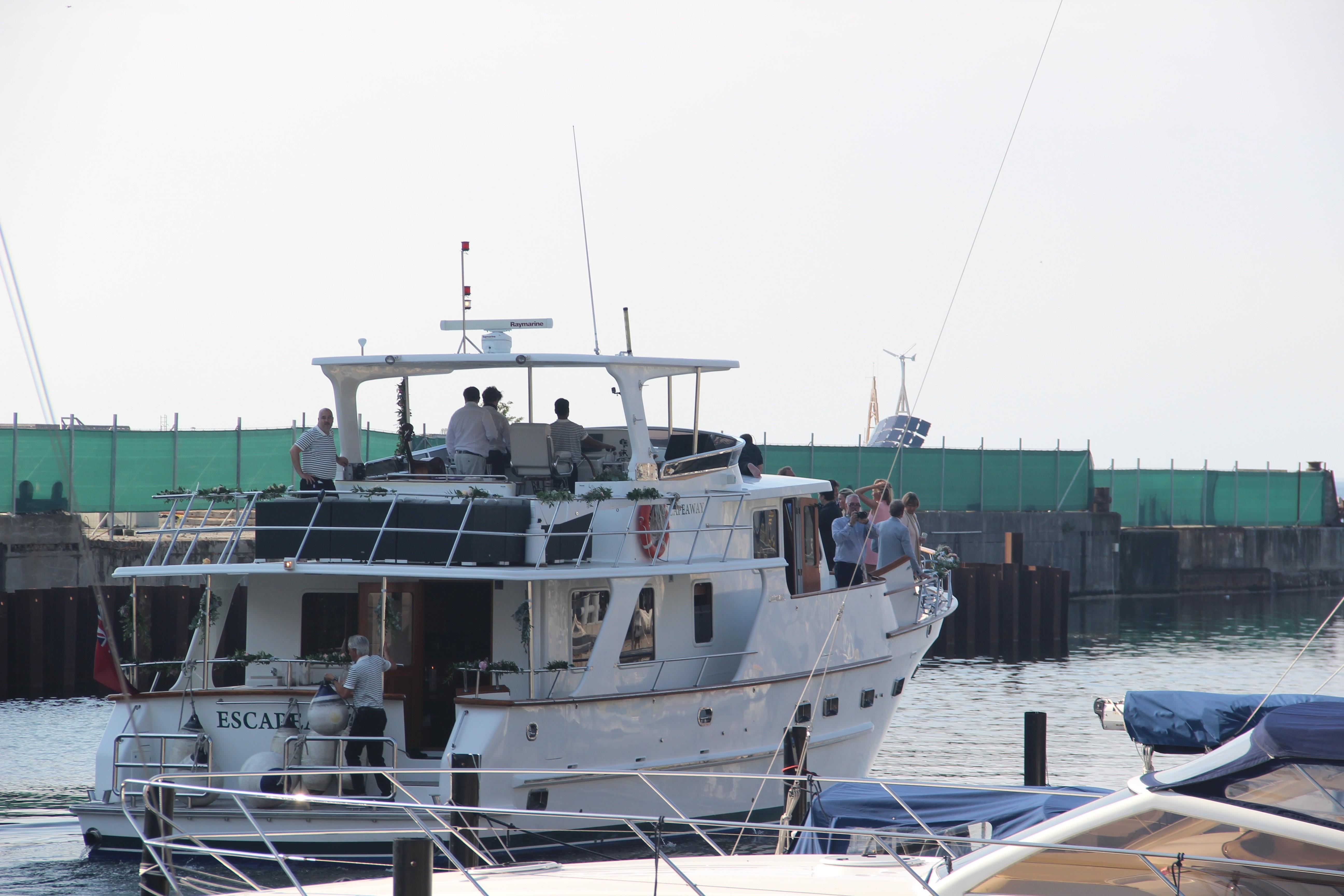 Profile Starboard Quarter