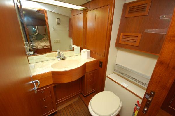 70 Striker VIP Bath