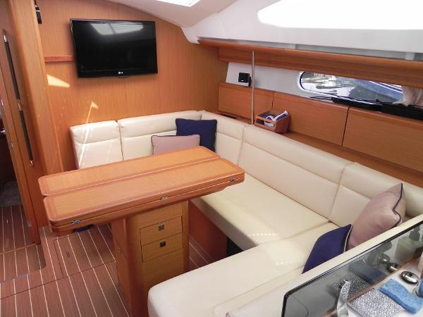 Jeanneau Sun Odyssey 45 DS Purchase Brokerage