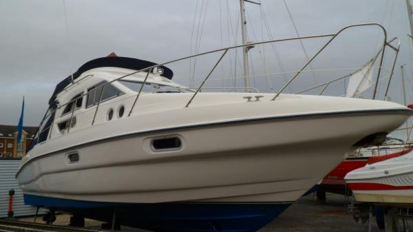 Sealine F33 Flybridge Boat For Sale