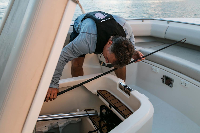 Boston Whaler280 Outrage