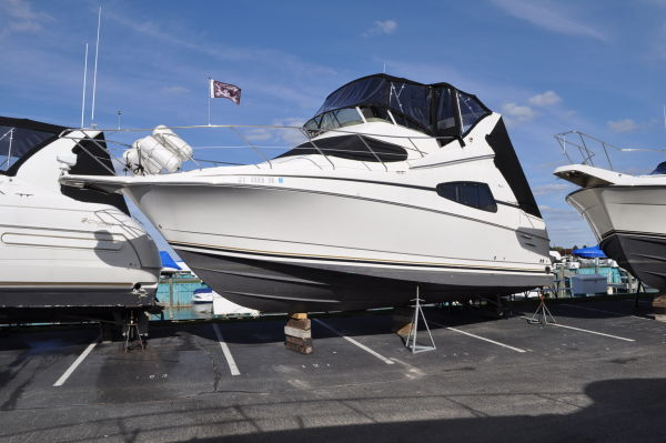 Silverton 330 Sport Bridge Convertible Boats. Listing Number: M-3506377 33' ...