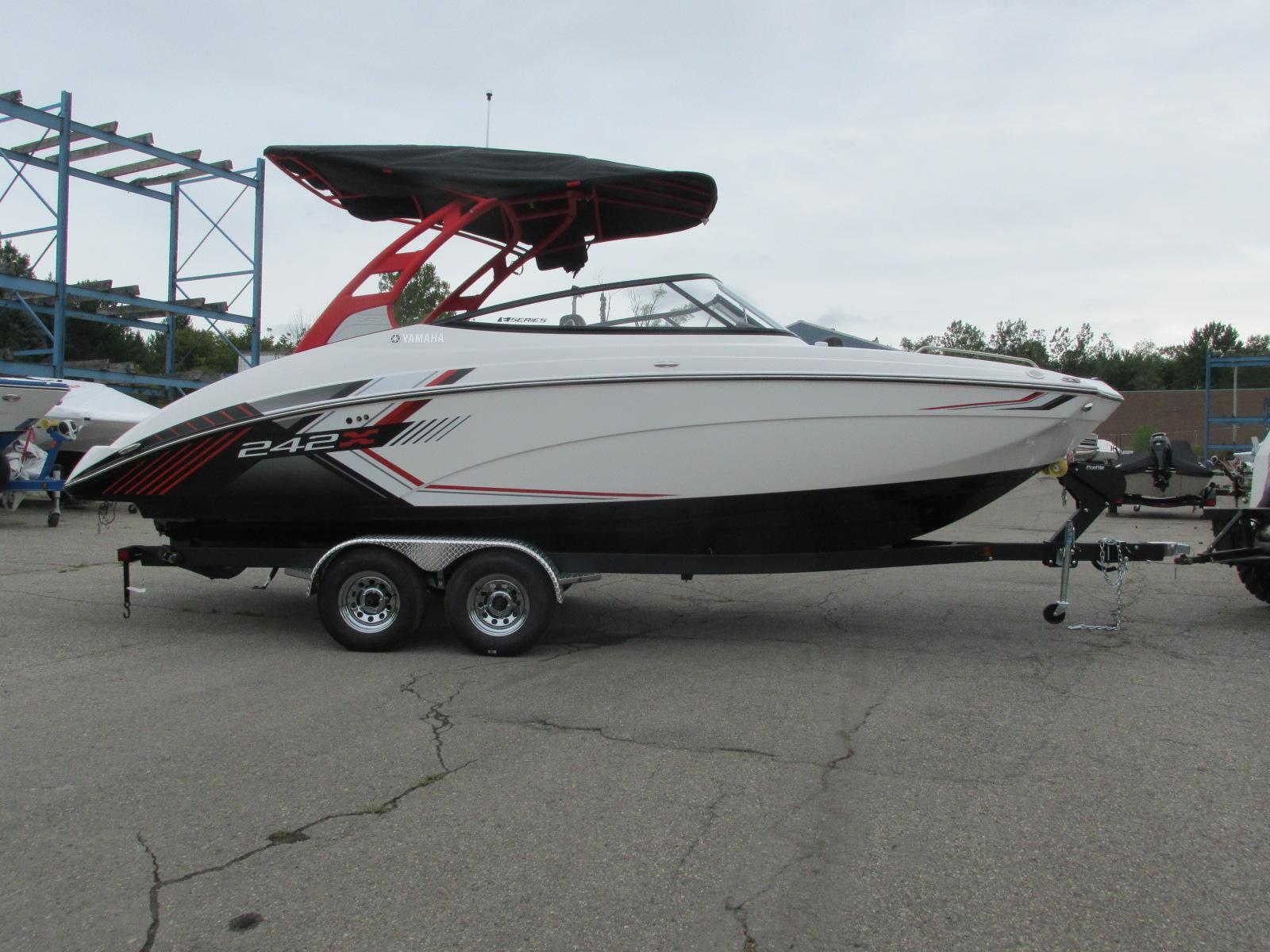 Yamaha Boats242X E Series