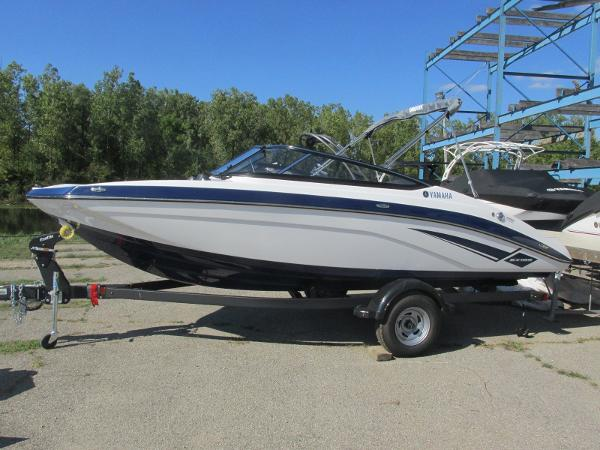 2020 Yamaha boat for sale, model of the boat is SX195 & Image # 1 of 34