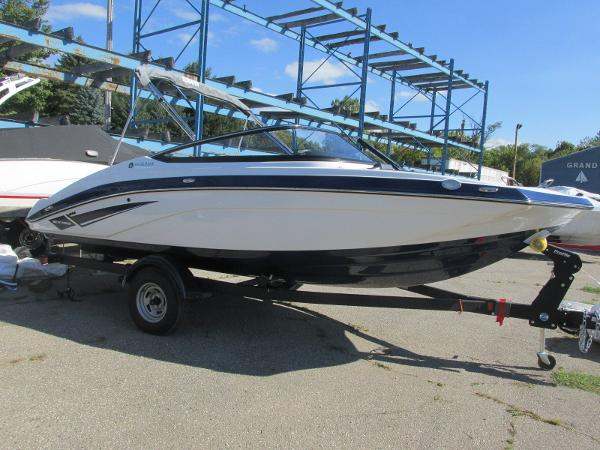 2020 Yamaha boat for sale, model of the boat is SX195 & Image # 2 of 34