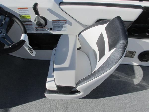 2020 Yamaha boat for sale, model of the boat is SX195 & Image # 27 of 34