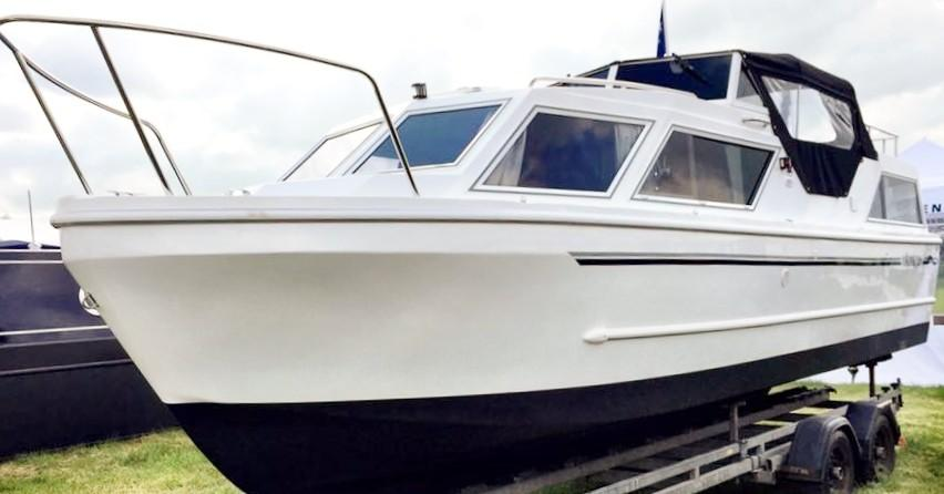 Viking 26cc Highline Canal Cruiser