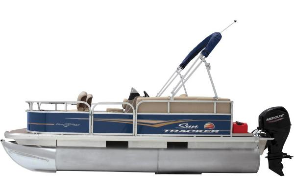 2021 Sun Tracker boat for sale, model of the boat is BASS BUGGY 16 XL SELECT & Image # 14 of 87
