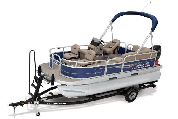 2021 Sun Tracker boat for sale, model of the boat is BASS BUGGY 16 XL SELECT & Image # 18 of 87