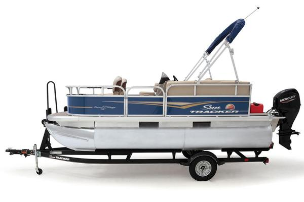 2021 Sun Tracker boat for sale, model of the boat is BASS BUGGY 16 XL SELECT & Image # 26 of 87