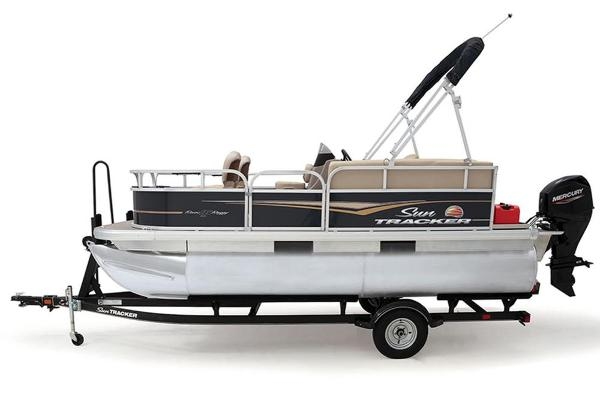 2021 Sun Tracker boat for sale, model of the boat is BASS BUGGY 16 XL SELECT & Image # 27 of 87