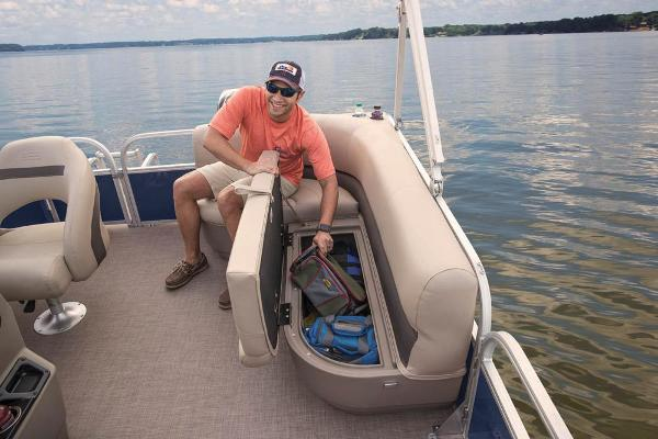 2021 Sun Tracker boat for sale, model of the boat is BASS BUGGY 16 XL SELECT & Image # 74 of 87
