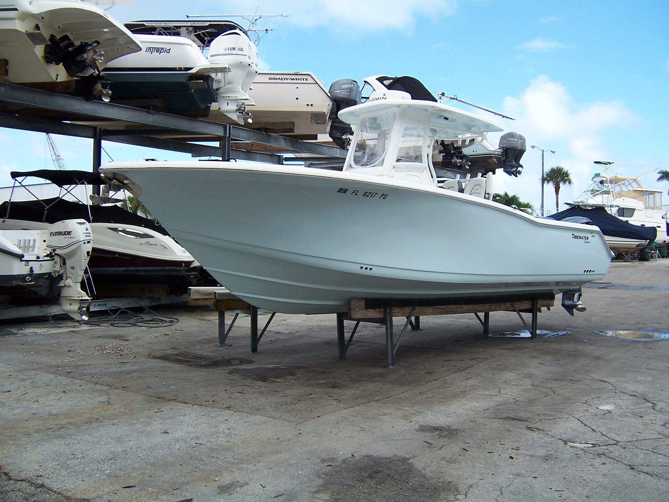 28' Tidewater 2015 Custom 280 CC
