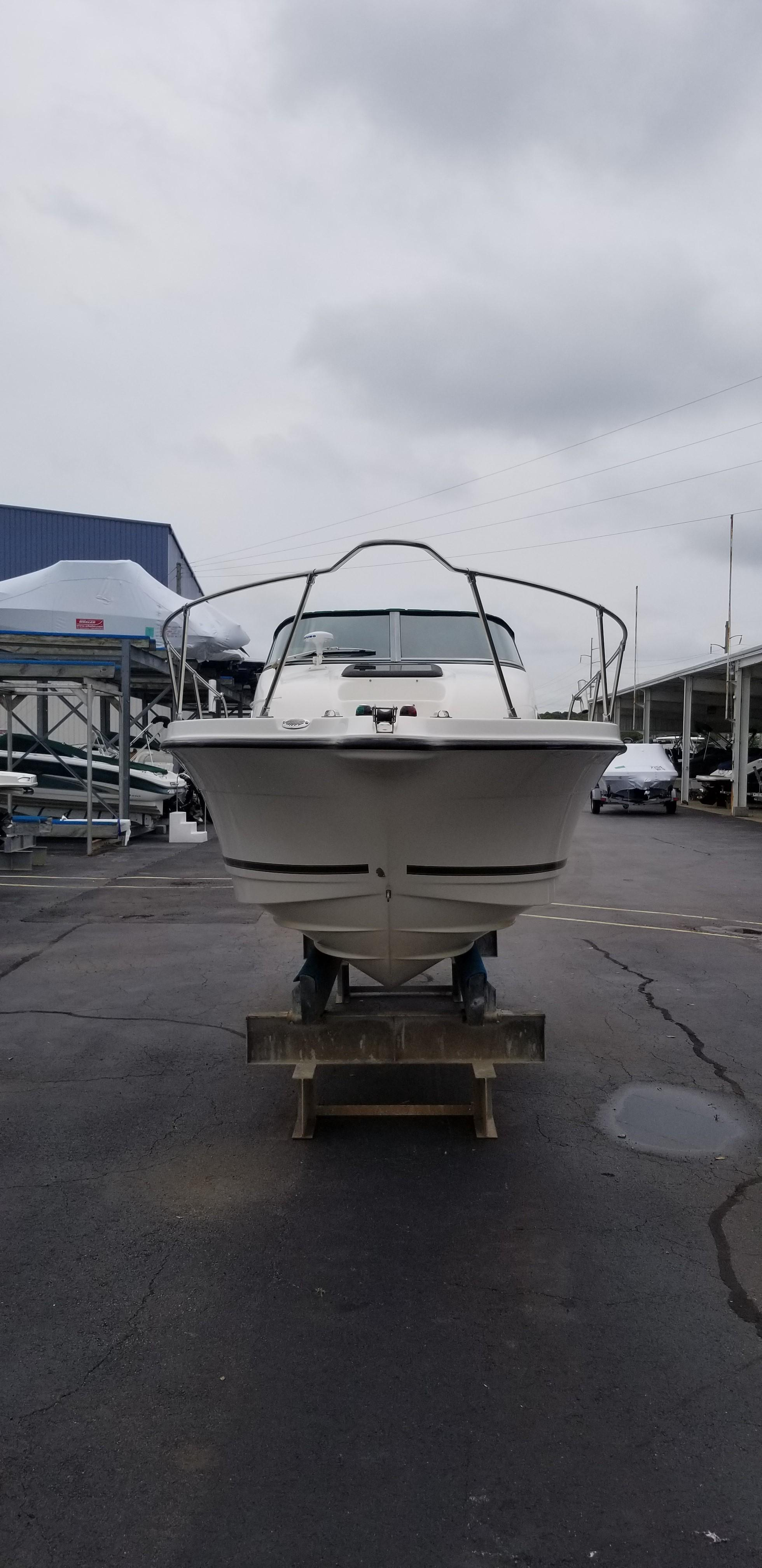 Bayliner 2052 Trophy Walkaround DX/LX