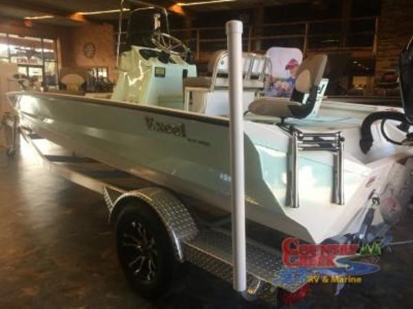 2018 Excel boat for sale, model of the boat is 203 Bay Pro & Image # 2 of 18