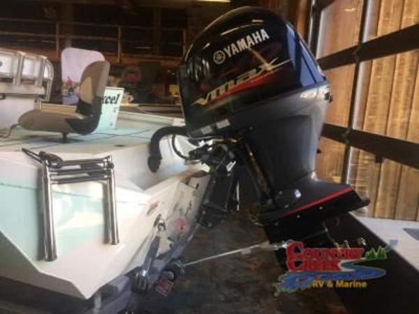 2018 Excel boat for sale, model of the boat is 203 Bay Pro & Image # 3 of 18
