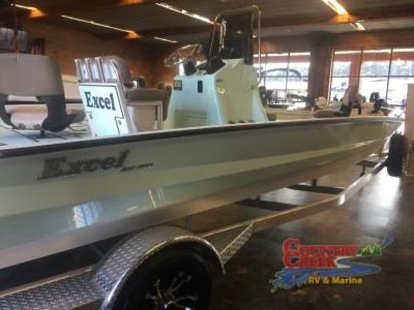 2018 Excel boat for sale, model of the boat is 203 Bay Pro & Image # 4 of 18