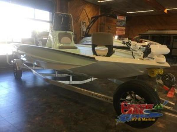 2018 Excel boat for sale, model of the boat is 203 Bay Pro & Image # 5 of 18