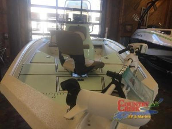 2018 Excel boat for sale, model of the boat is 203 Bay Pro & Image # 6 of 18