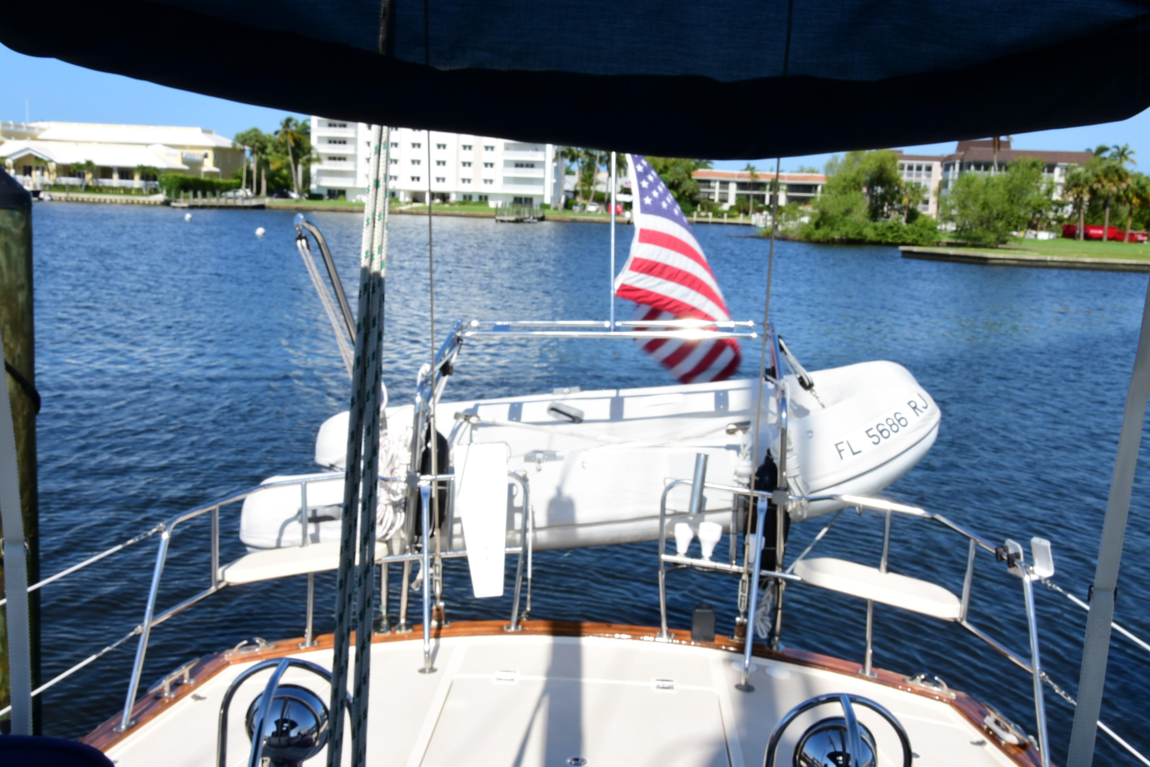 DINGHY AND DAVITS