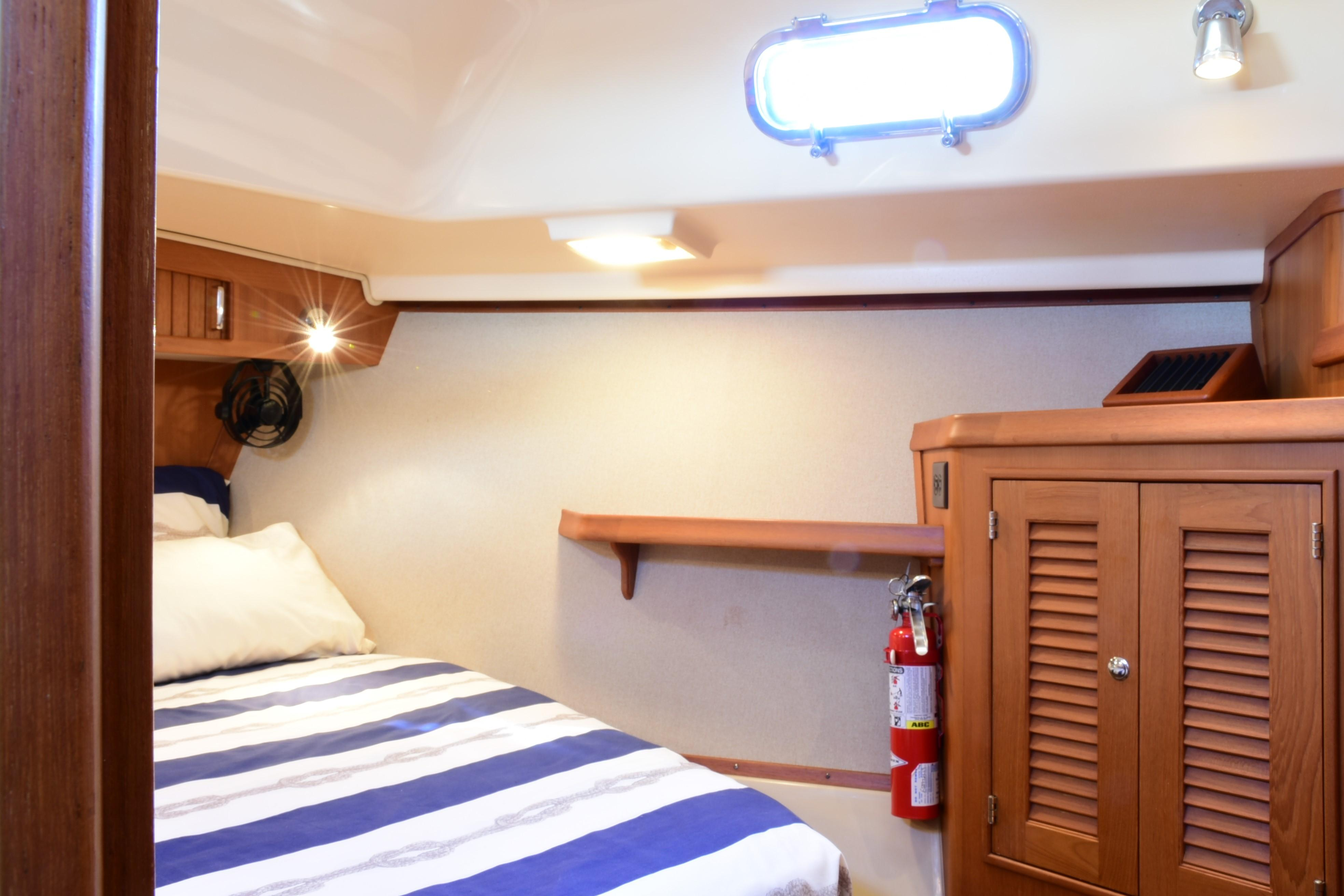 FWD STATEROOM TO STBD