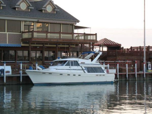 45' Bayliner 4550 Pilot House Motor Yacht