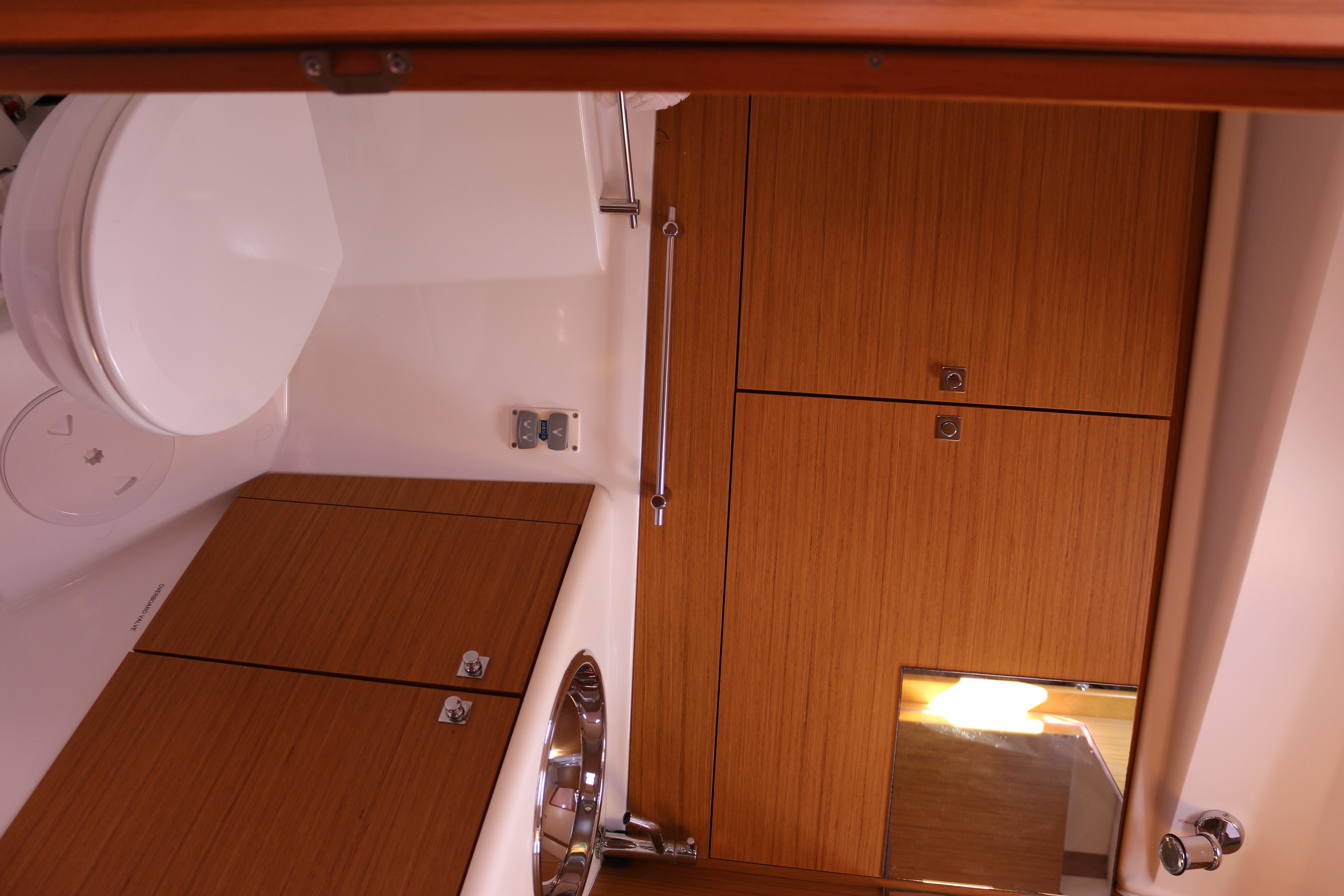 45' Jeanneau 2009