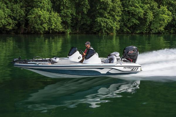 2021 Nitro boat for sale, model of the boat is Z17 & Image # 13 of 61