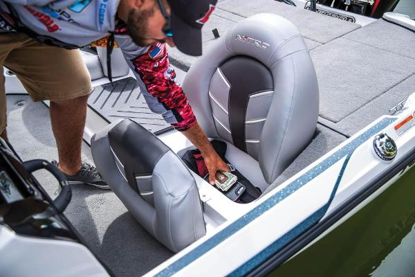 2021 Nitro boat for sale, model of the boat is Z17 & Image # 55 of 57