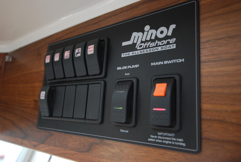 Sargo 25 Explorer switch panel