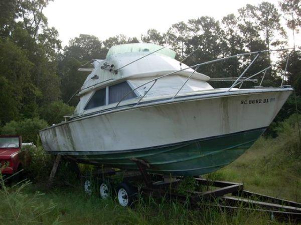 Bertram 28 Flybridge CRUISER Convertible Boats. Listing Number: M-3716480