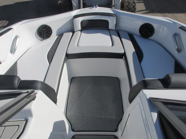 2020 Yamaha boat for sale, model of the boat is AR195 & Image # 6 of 31
