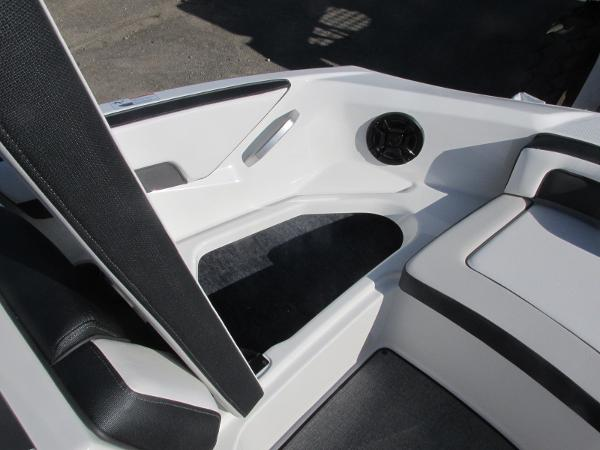 2020 Yamaha boat for sale, model of the boat is AR195 & Image # 7 of 31
