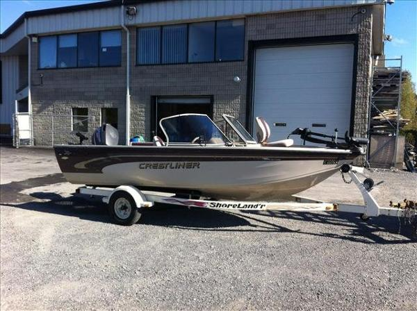 For Sale: 2000 Crestliner Super Hawk 1700 17ft<br/>George's Marine & Power Sports - Ottawa - A Division of Pride Marine
