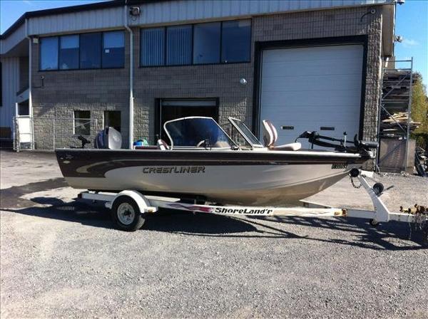 For Sale: 2000 Crestliner Super Hawk 1700 17ft<br/>Pride Marine - Ottawa