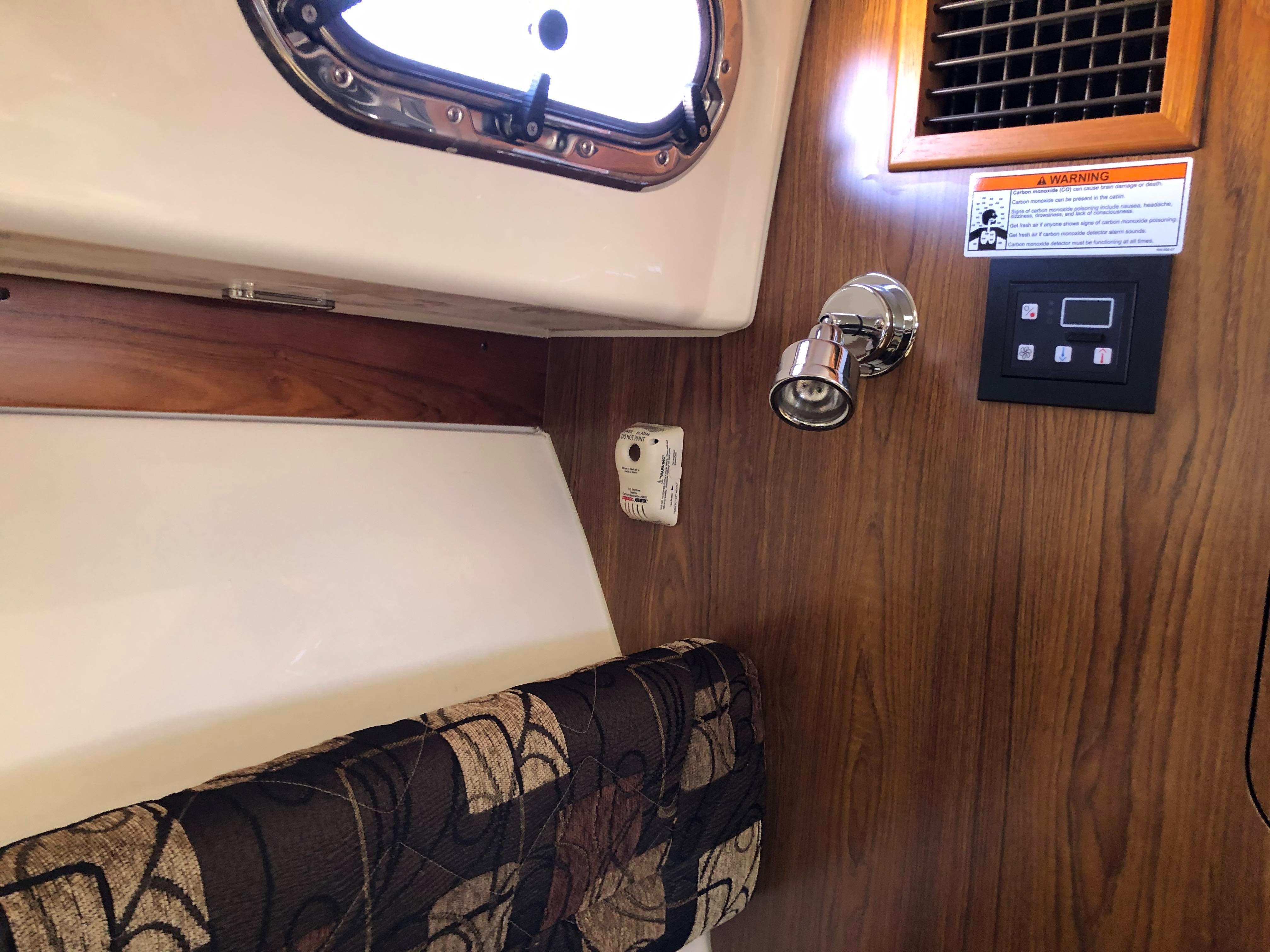 31 Pursuit 2013 Lake Powell   Denison Yacht Sales