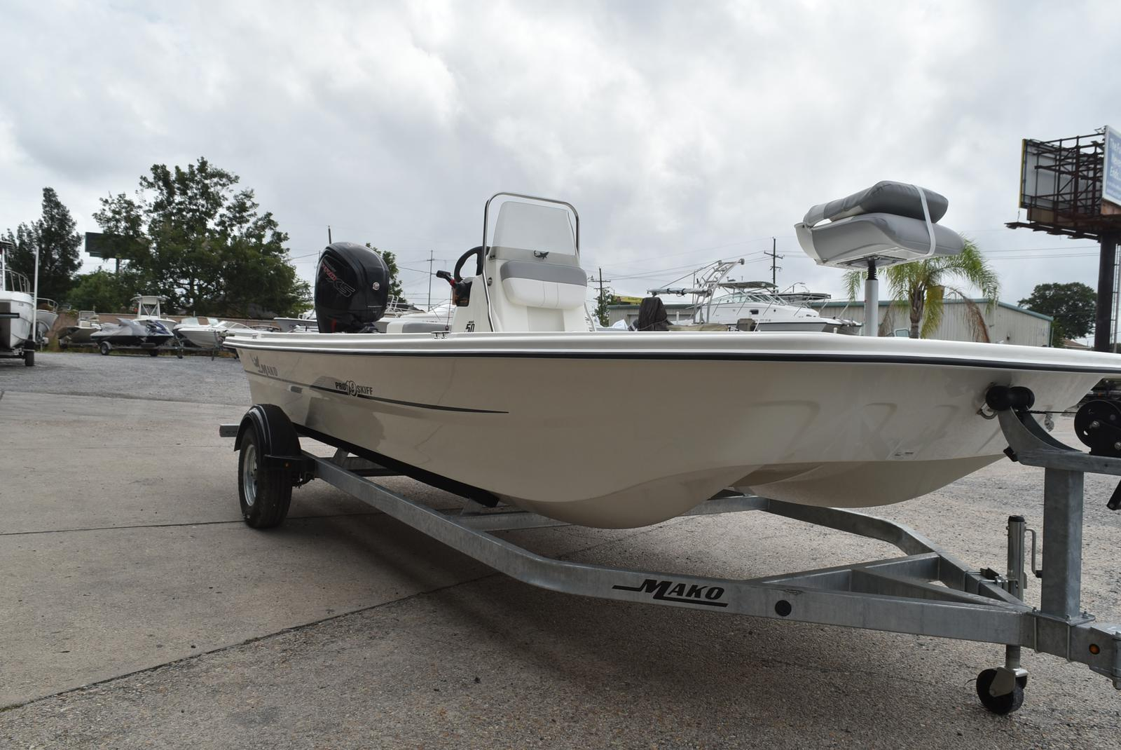 2019 Mako boat for sale, model of the boat is Pro Skiff 19 & Image # 2 of 9