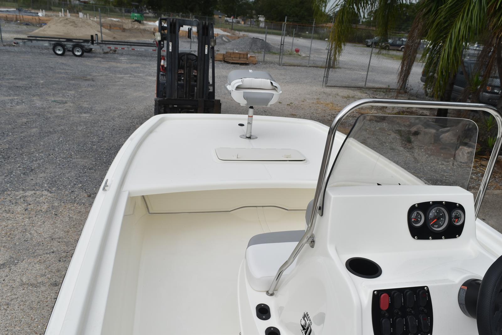 2019 Mako boat for sale, model of the boat is Pro Skiff 19 & Image # 3 of 9
