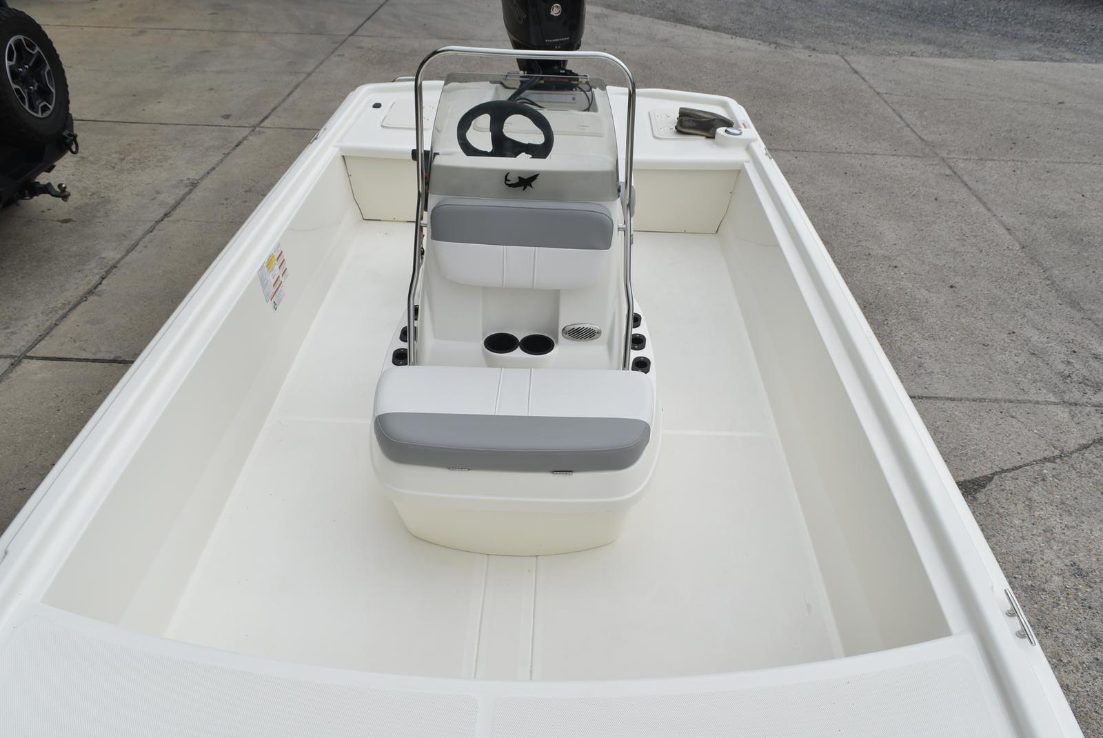 2019 Mako boat for sale, model of the boat is Pro Skiff 19 & Image # 4 of 9