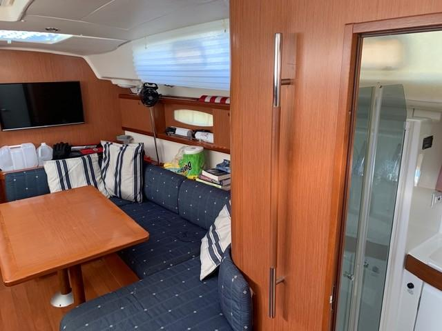 Starboard Saloon showing shower in Day Head