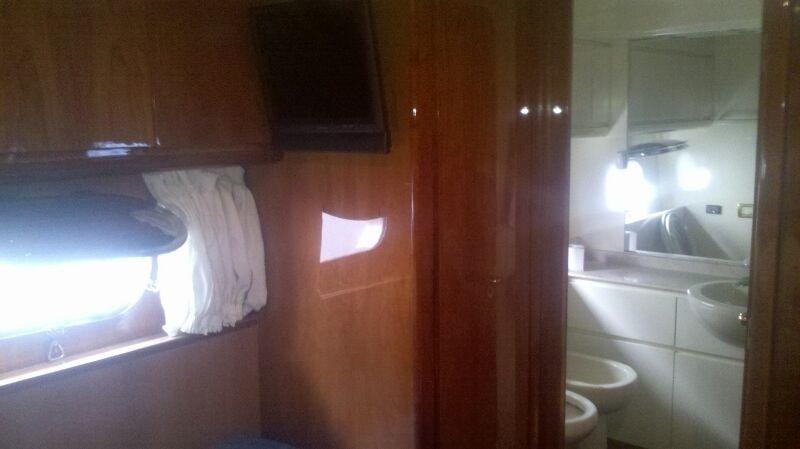 Guest Cabin's Bathroom