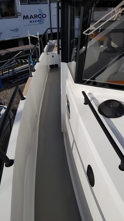 2018 Sargo 31 Explorer side decks