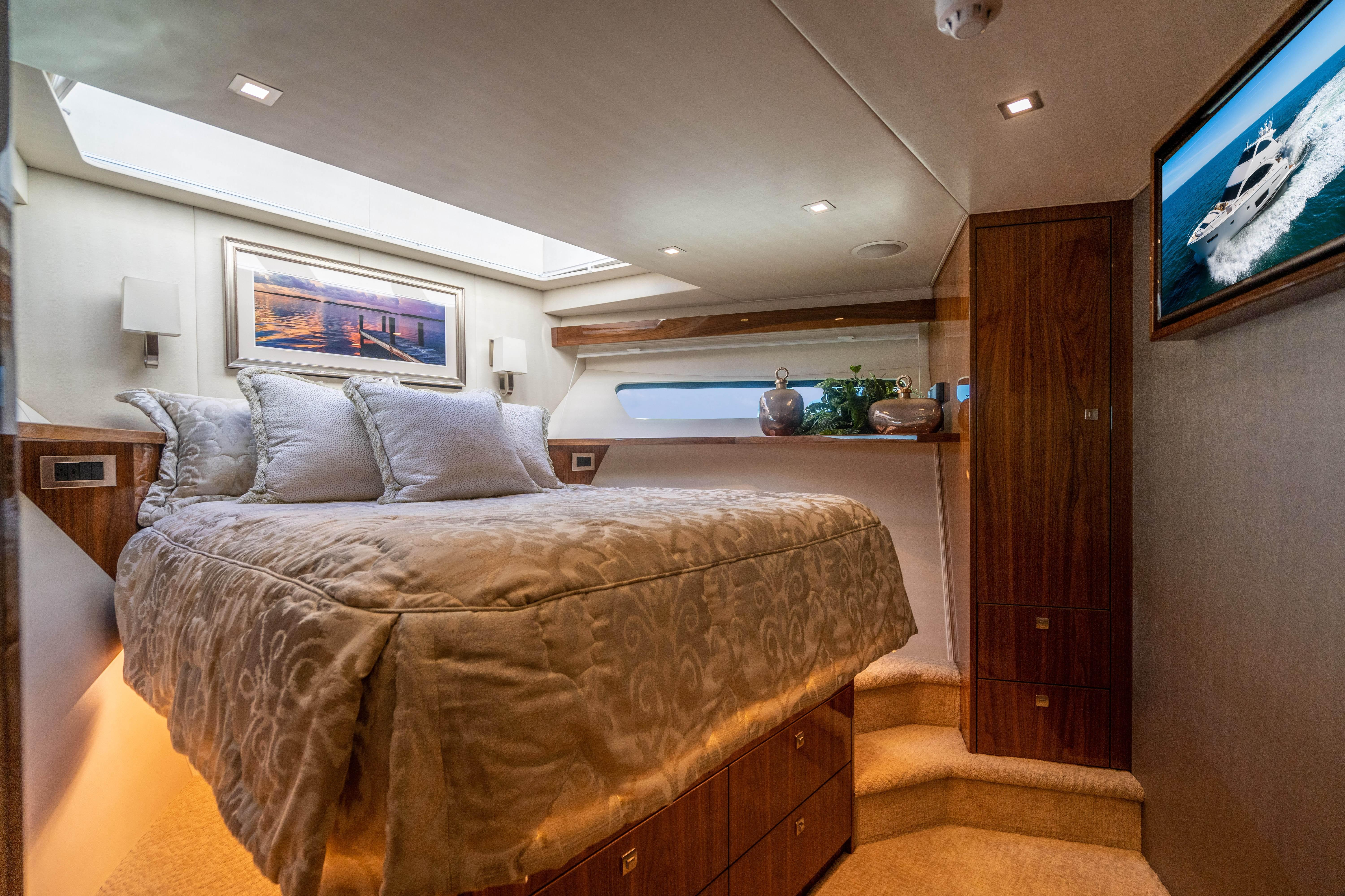 VIP Stateroom, Forward