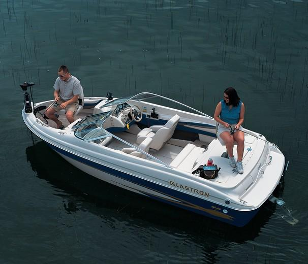 2002 Glastron boat for sale, model of the boat is GX 185 Ski & Fish & Image # 2 of 2