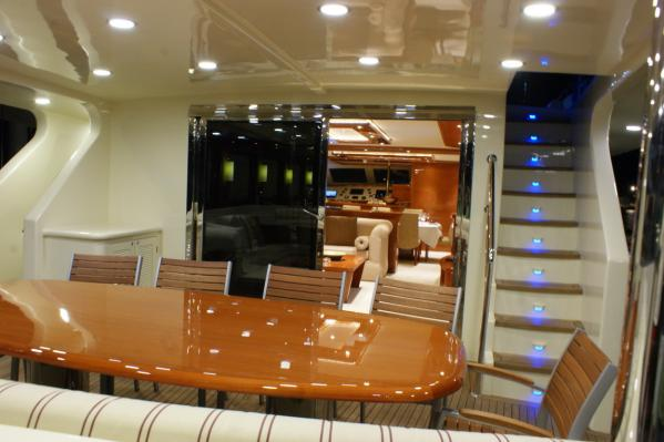 34 M Flybridge Motorsailer Bathroom